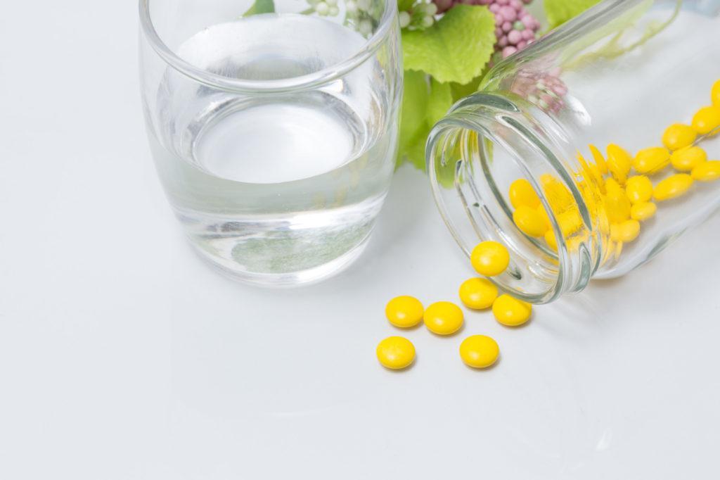 薬 ヘルペス 【医師監修】抗ヘルペスウイルス薬は市販されている?購入する際の条件は?
