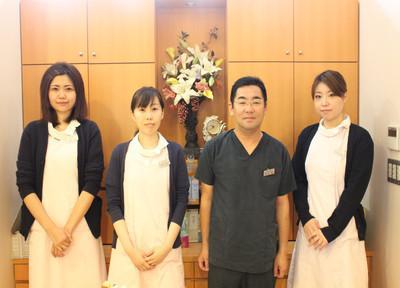 芦刈デンタルクリニックの先生とスタッフ