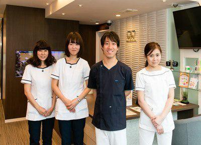 荻窪ツイン歯科医院のスタッフ全体写真