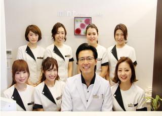 ミント歯科の集合写真